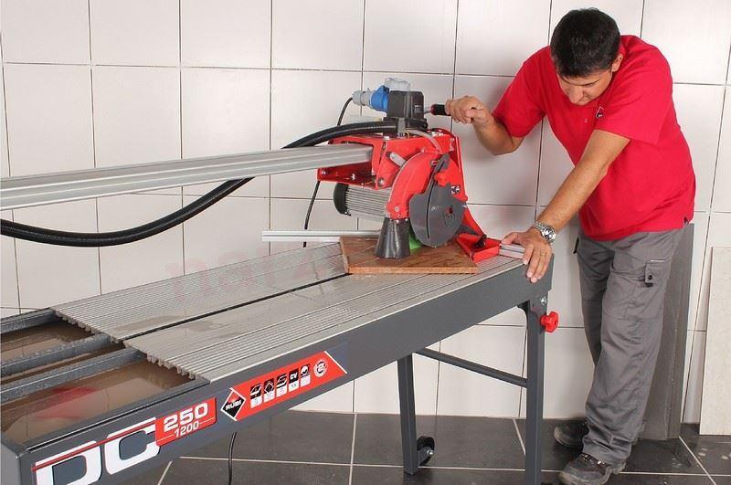 Как разрезать плитку плиткорезомэлектрическим
