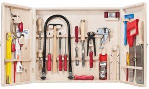 Что не относится к слесарным инструментам?